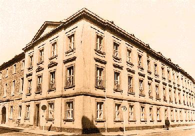 Verwaltungsgebäude am Schlossplatz 1960 - 1998